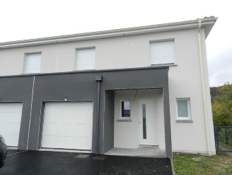 Location  MONT LE VIGNOBLE maison 5 pieces, 90m2 habitables, a MONT LE VIGNOBLE